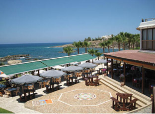 Vardas Beach Restaurant Cafe Bar & Apartments